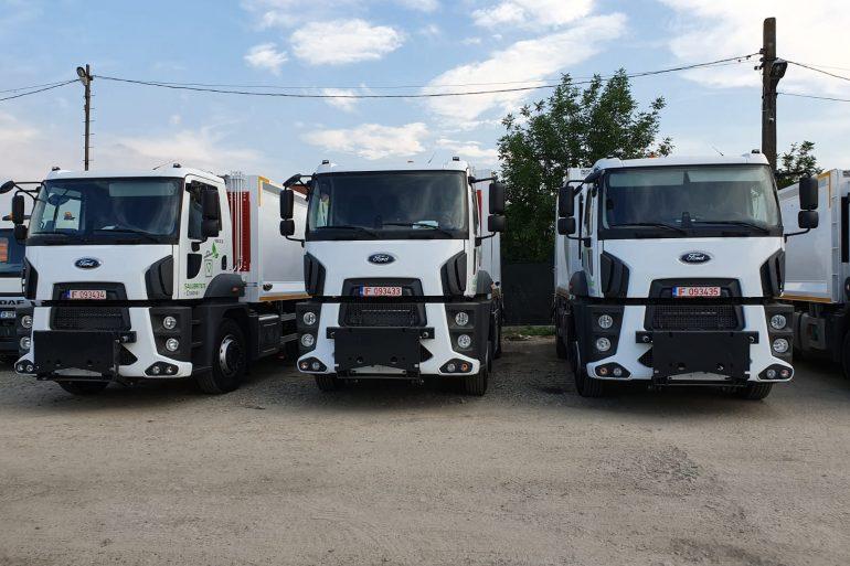 Trei autogunoiere noi au intrat în parcul auto al SC Salubritate Craiova SRL